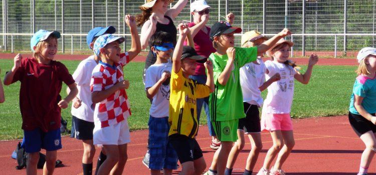 Sportfest 2017: Leichtathletik, DFB-Fußballabzeichen, Staffellauf, …