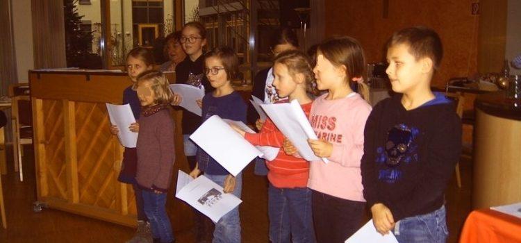 OGS-Kinder und Senioren freuen sich auf Weihnachten